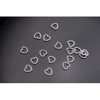 Akrylová aplikace ve tvaru srdce, velikost 10 mm, 50 ks v balení.