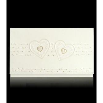 Krémové otevírací svatební oznámení, 163x93, perleťový slepotisk, motiv srdíček.