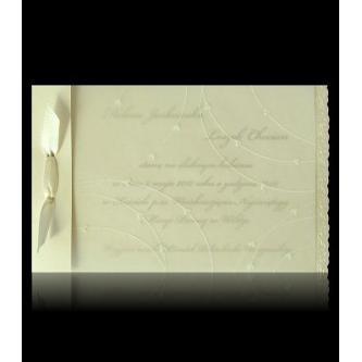 Krémové svatební oznámení, 171x110, perleťovo-krémový papír, perleťový slepotisk, smetanová stuha. Zlatý tisk