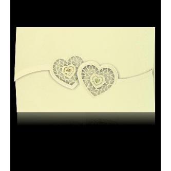 Otevírací krémové svatební oznámení, 170x110, vyseknutá srdíčka, perleťovo-krémový papír, zlatý tisk.