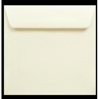 Krémová obálka, kvalitní papír krémové barvy, 155x155 mm.
